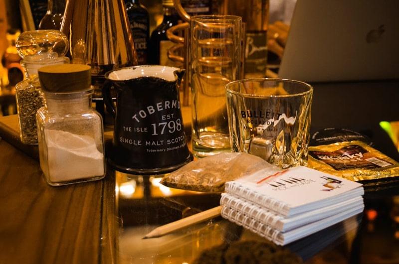 degustacja ekskluzywnych whisky przez Interner